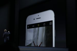 Apple's New iPhones Let You Snap Harry Potter-Like Animated Photos |  TechCrunch