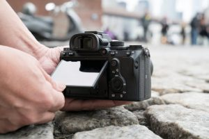 The 5 Best Mirrorless Cameras for Pros and Amateurs Alike in 2019 | SPY