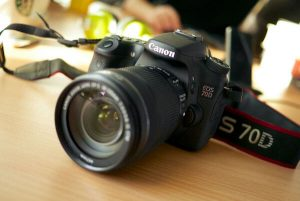 What Camera Youtubers Use   Best Vlog Cameras