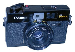 Canon A35 Datelux (1977) features pop-up-flash and date stamping