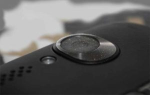 The Crazy Way: Clean your Phone Camera Lens | Yes Android