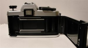 How to Load Film Into a 35mm Camera : 13 Steps (with Pictures) -  Instructables