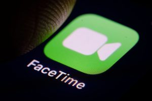 FaceTime Bug Allows Users to Access Someone Else's iPhone Camera