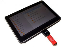How To Transfer Files From a USB Drive or SD Card To The Galaxy Tab