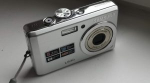 Stuck In The Middle -Samsung L830 Review - Canny Cameras