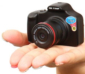 """Kun """"One Eye"""" Small Toy Camera Shoots HD 720P @ 30fps"""