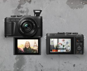 The Best Cameras for Vlogging 2021: Top-Rated YouTube Camera Reviews -  Rolling Stone
