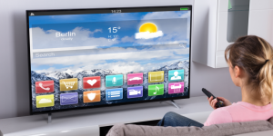 4 Reasons Why You Shouldn't Buy a Smart TV