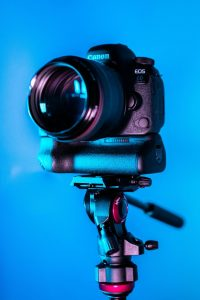 How to Clean a DSLR Sensor Without Ruining It | Light Stalking