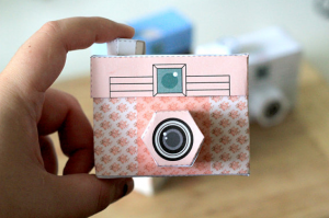 Picture perfect papercraft cameras! | Cool Mom Tech | Paper camera, Diy  paper, Printable paper
