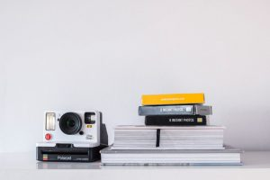 THE DO'S + DON'TS OF A POLAROID GUEST BOOK -
