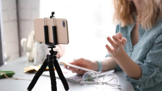 How to Get More Comfortable on Camera: The 13 Fundamentals   TechSmith
