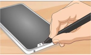 How to clean the selfie camera