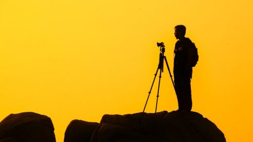 What is the difference between a DSLR and SLR camera? 2020