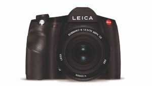 Leica's New S3 Medium Format DSLR Improves Resolution by 71-Percent – Robb  Report