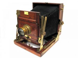 The first ever camera📷:the story behind the invention… – storyglobe96
