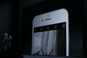Apple Addresses Privacy Questions About 'Hey Siri' And Live Photo Features  | TechCrunch