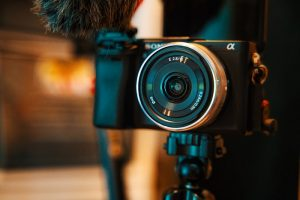 10 Best Vlogging Cameras : Best Camera For Vloggers - Technoseekers