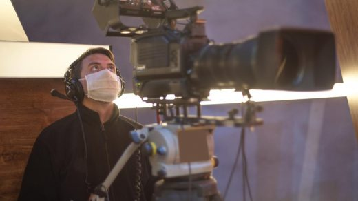 Hollywood Producers Agree To Notify Unions About Positive Covid-19 Tests On  Set – Deadline