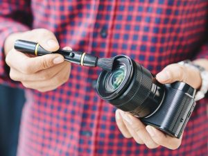 How To Clean Camera Lens (4 Easy Steps) - By Canon View